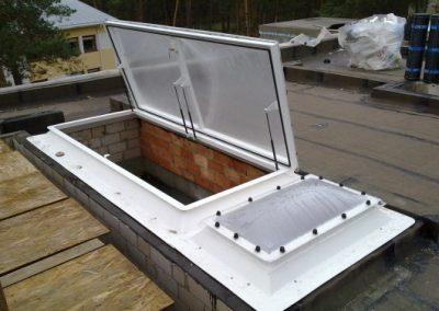 Išlipimo ant stogo liukas plokščiam stogui Outlux duo